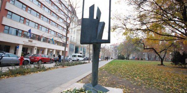 Kalmár János: Fohász a festészet újjászületéséért (Forrás: szoborlap.hu / Csuhai István)