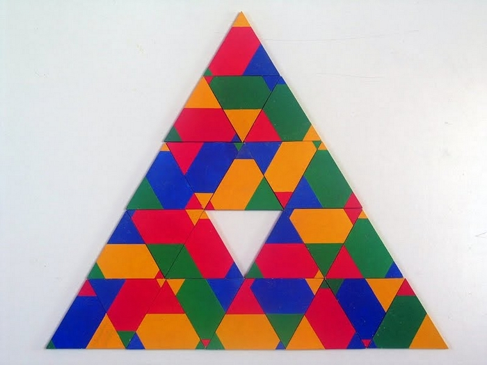SAXON Szász János: Barangolás a Poliuniverzumban - Háromszög 24