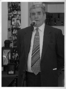 Vöő Imre egy szigetszentmiklósi kiállításmegnyitón, 2009-ben