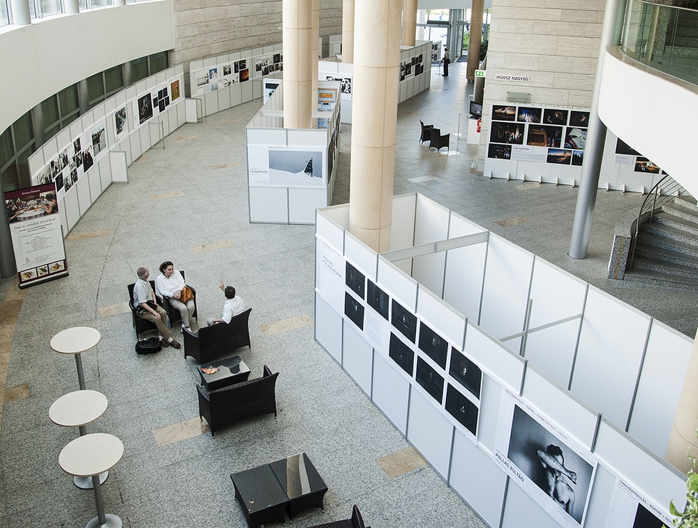 A debreceni kiállítás részlete (Fotó: Szigeti Tamás)
