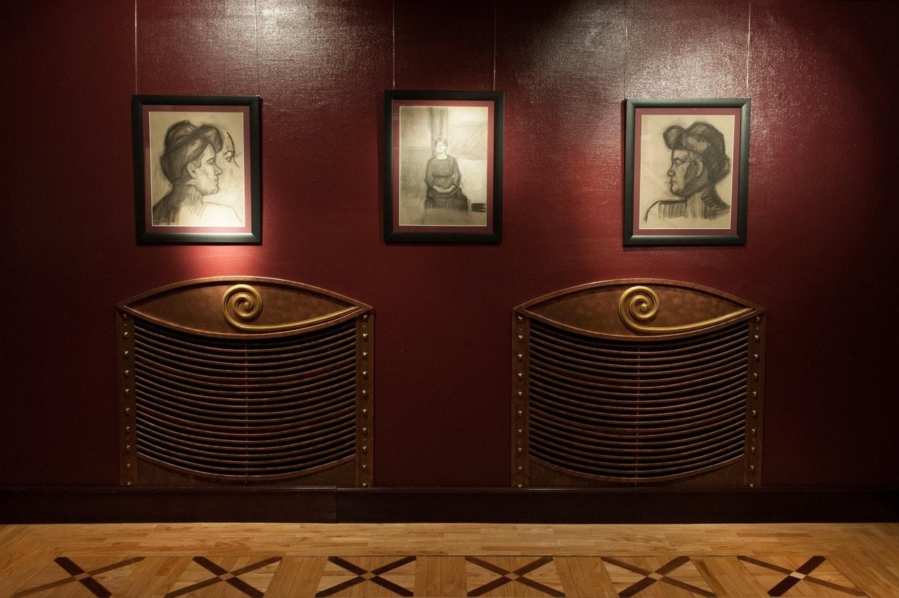 Farkas István korai rajzai a Tolnay Szalonban - a kiállítás részlete (Fotó: Kováts Dániel)