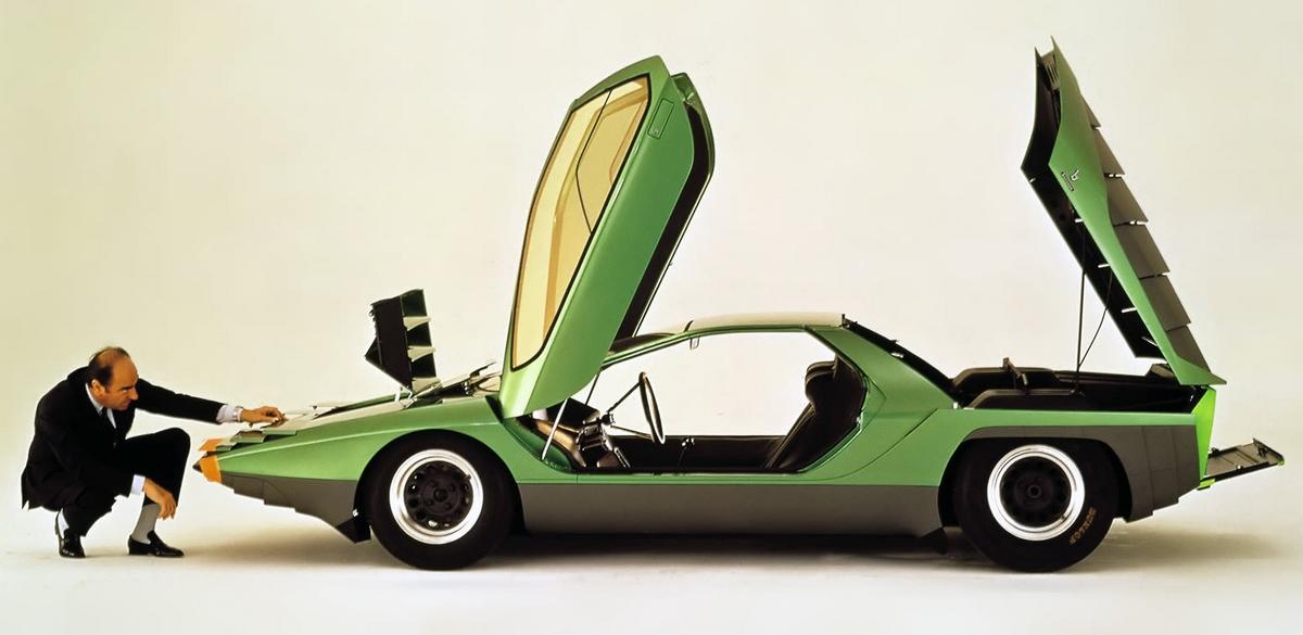Bertone és a Carabo az ikonikus felvételen