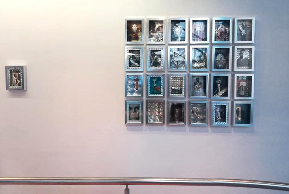 A kiállítás részlete, ikonfallal