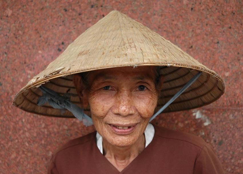 Pápai Szilvia: Vietnami vallomások (részlet a sorozatból)